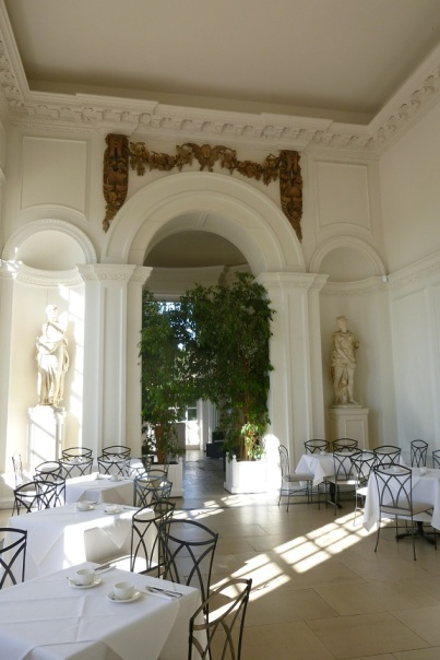 Tea at the Orangerie (2)